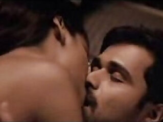 kissing: Esha Gupta kiss sex scene with Emraan Hashmi