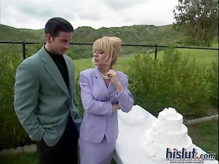 MILF: Nina gives blowjob