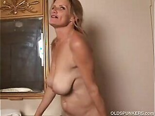 housewife  ,  mature  ,  MILF  ,  mom  ,  mother   chinese porn