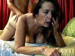 grandma  ,  granny  ,  housewife  ,  mature  ,  MILF   chinese porn