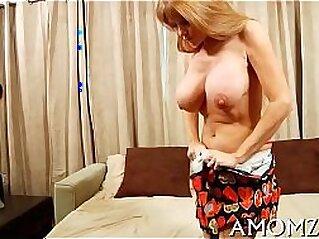 MILF  ,  mom  ,  POV  ,  pussy  ,  tight puss   chinese porn