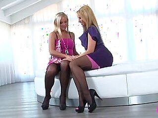 kissing  ,  lesbian  ,  lingerie  ,  sapphic  ,  sex toy   chinese porn